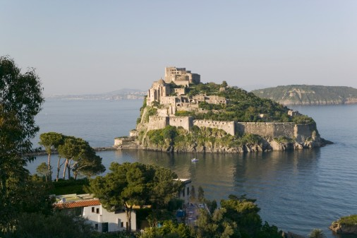 Отели остров искья(италия). лучшие цены на туры в остров искья - бронируйте онлайн..