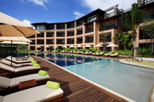 Radisson Blu Plaza Resort Phuket Panwa Beach