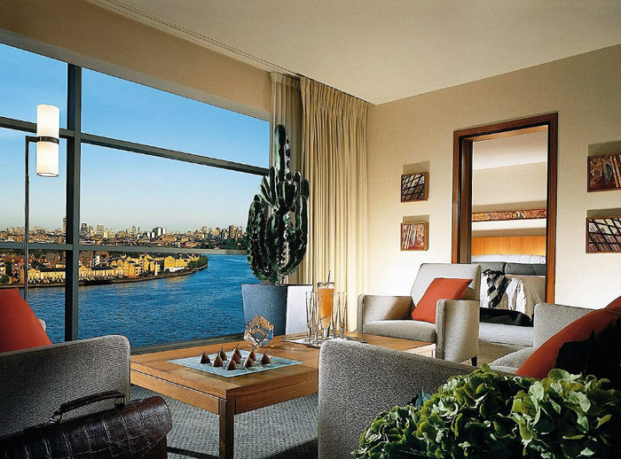 four season canary wharf five star hotel