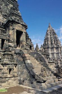 Ява. Храм Прамбанан